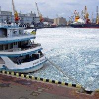 Ледяное Черное море :: Людмила