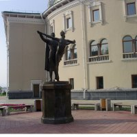 Памятник народным артистам П. Абашееву и Л. Сахьяновой :: Виктор Мухин