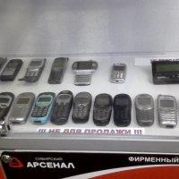"Витрина с ""Ретро"" мобильниками :: Svetlana Lyaxovich"