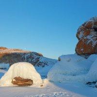 Ледяные скульптуры острова Ольтрек :: Анатолий Иргл