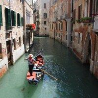 Прогулка по Венеции :: Валерий Кишилов