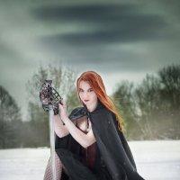 Рыжая с мечом :: Ирина Клейменова
