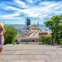 Летнее утро на Потемкинской лестнице. :: Вахтанг Хантадзе