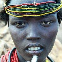 Женщина из племени Дассанеч :: Евгений Печенин