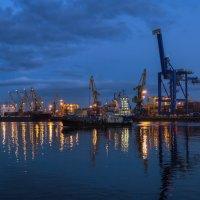 В порту :: Владимир Колесников