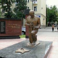 Махачкала. Памятник стражам правопорядка. :: Владимир Драгунский
