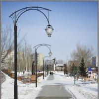 Аллея в парке :: юрий Амосов