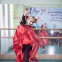 Изгибы танца :: Сергей