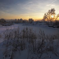 Утреннее солнце медленно встаёт... :: Александр Попов