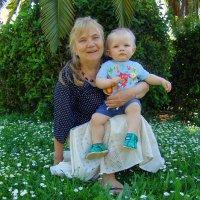 Бабушка с внуком. :: Оля Богданович