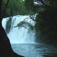 Ко Куд. Водяная пыль на водопаде Клонг-Чао. :: Лариса (Phinikia) Двойникова