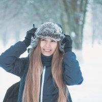 Девушка зимой. Фотограф Руслан Кокорев. :: Руслан Кокорев