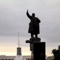 Памятник В.И.Ленину :: Svetlana Lyaxovich