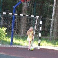 Юная футболистка :: Дмитрий Никитин