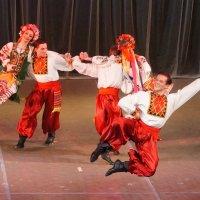 """Танцует """"Гжель"""". :: Нелли Семенкина"""
