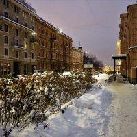 На 3-й линии Васильевского острова... :: Sergey Gordoff