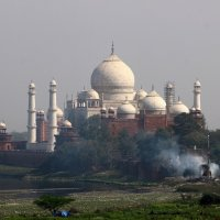 Тадж-Маха́л  — мавзолей - мечеть, находящийся в Агре, Индия :: vasya-starik Старик