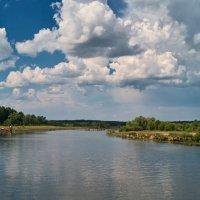 Облака над речкою. :: Андрий Майковский