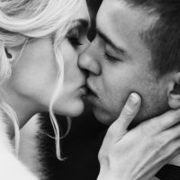 Поцелуй :: Виктория Ястремская