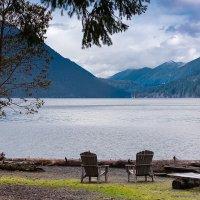 Отдых с видом на озеро :: Alena Nuke