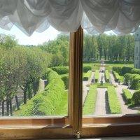 Вид с окошка музея на парк в Гатчине. :: Татьяна