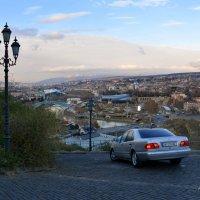 С горы Мтацминда открывается прекрасная панорама на весь Тбилиси. :: Anna Gornostayeva