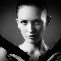 Girl and Gun :: Andrey Smuglin