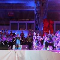 Национальный сибирский танец. :: Наталья Золотых-Сибирская