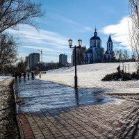 Весенний день на набережной Тамбова. :: Александр Селезнев