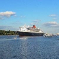 Queen Mary-2 Hamilton :: Nina Yudicheva