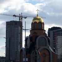 Материальное против духовного :: Сергей Рубан