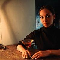 В баре :: Максим Жидков