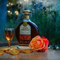 Когда за окном грохочут грозы, уместен коньяк, шоколад и розы! :: Лара Гамильтон