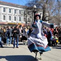 Танец на ходулях :: Анатолий Колосов