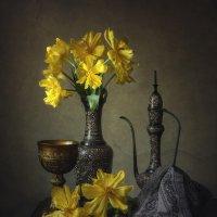 Натюрморт с желтыми тюльпанами :: Ирина Приходько