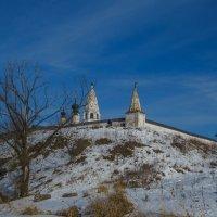 У Александровского монастыря :: Сергей Цветков