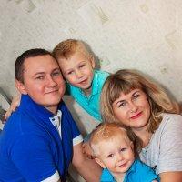Замечательная семья! :: Ева Олерских
