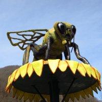 Пчела -монстр :: Валерий A.