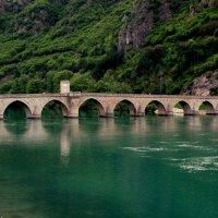 Мост над Дриной :: Сергей Дабаев