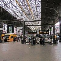на перроне вокзала :: ИРЭН@ Комарова