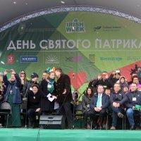Посол Ирландской Республики  Эдриан  Мак  Дейд   и  сотрудники посольства. :: Виталий Селиванов