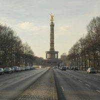 Триумфальная колонна в Берлине :: Александр