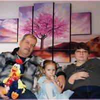 Внучка с бабушкой и с дедушкой. :: Anatol Livtsov