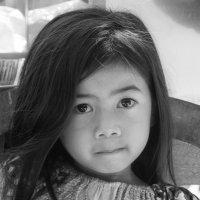 Портрет юнной кхмерской девочки... :: Cергей Павлович