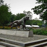 парковая скульптура :: Александр Корчемный
