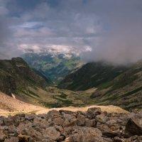Висячая долина Джалпакол. Вид сверху. :: Скан