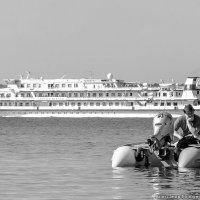 Как провожают пароходы :: Александр Горбунов