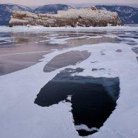 Рисует ветер снегом по льду. :: Елена Савчук
