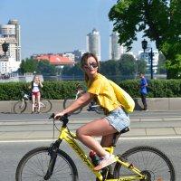 Велосипедистка. :: Наталья