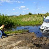 Ох, нелегкая это работа - Из болота тащить УАЗ! :: Дмитрий Петренко